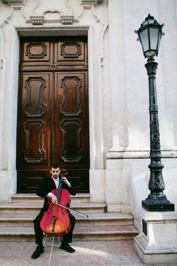 Cellist playing in Lisbon Street
