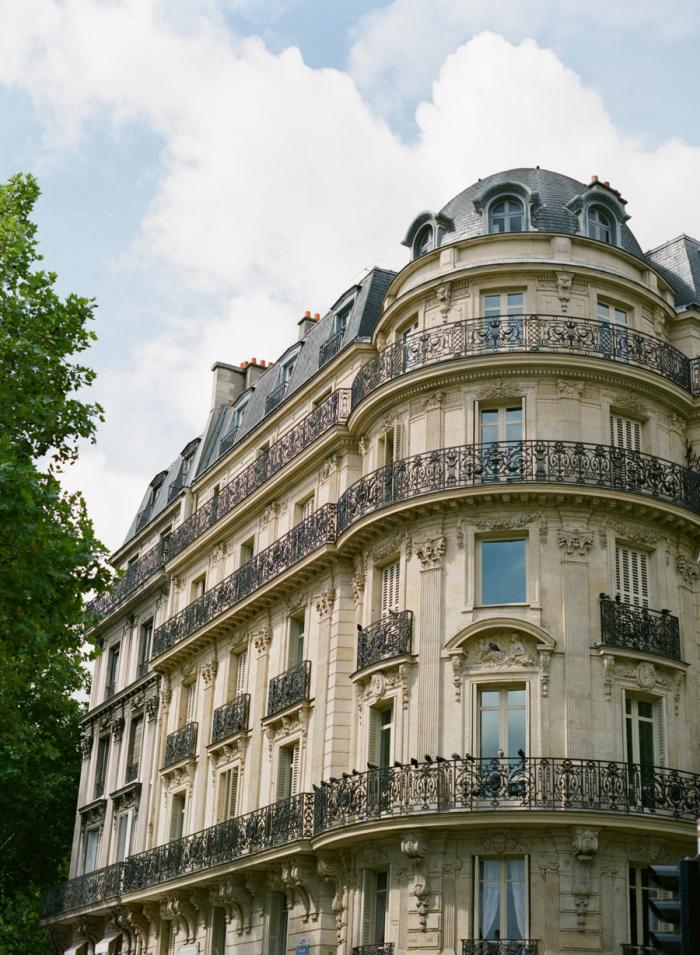 Classic parisian architecture entouriste for Architecture parisienne