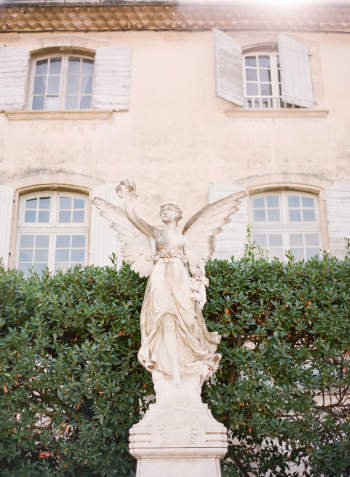 Statue in Lourmarin