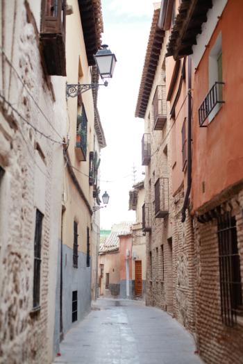 Toledo Winding Pathways