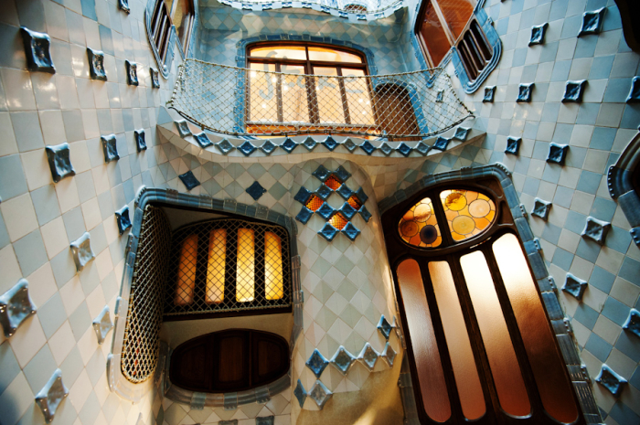 Casa Batllo Tile Interior - Entouriste