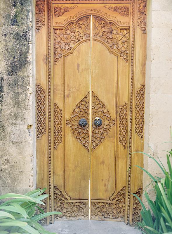 Wood Doors in Bali & Wood Doors in Bali - Entouriste