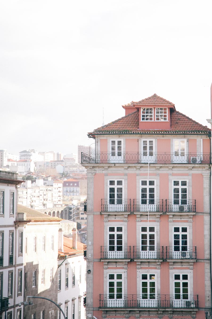 Pink Apartments in Porto Portugal - Entouriste