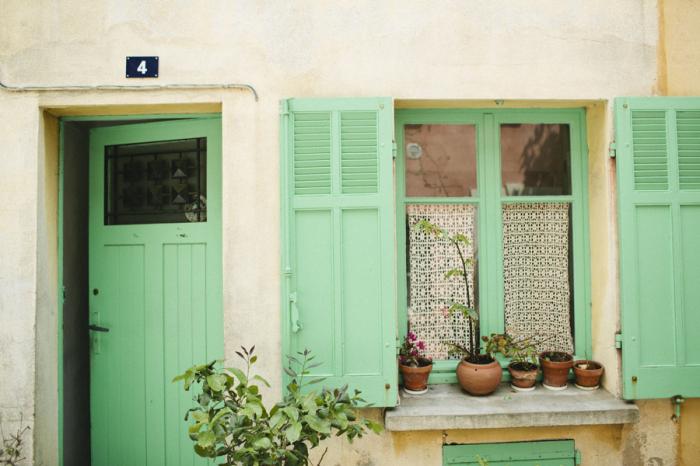 & Green Doors in St Tropez France - Entouriste