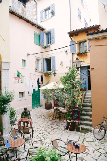 Alley Cafe in Croatia