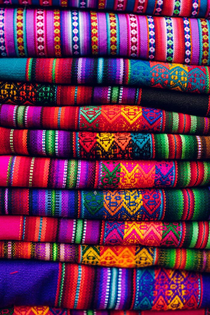 bright peruvian textiles entouriste