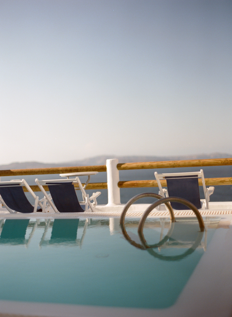 Pool Side Lounge Chairs in Santorini Entouriste