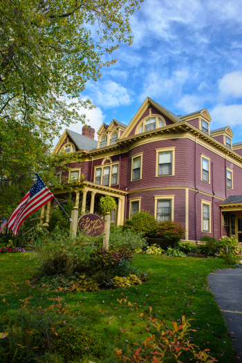 The Berry Manor Inn of Maine