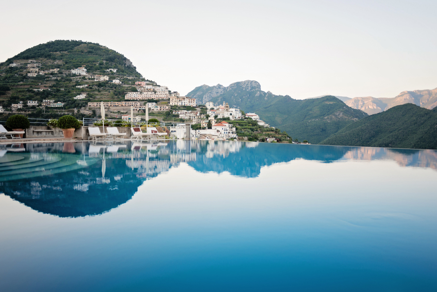Infinity pool in ravello italy entouriste - Infinity pool europe ...