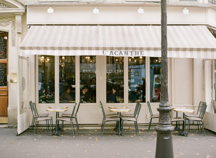 Acanthe Cafe in Paris France