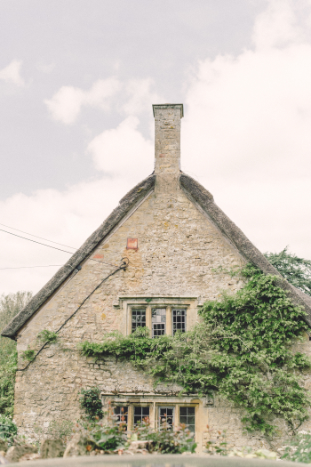 Old Stone Home in Hidcote Boyce Village of the Cotswolds