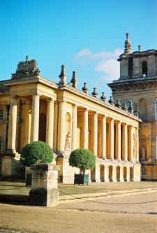 Exploring Bleinham Palace in England
